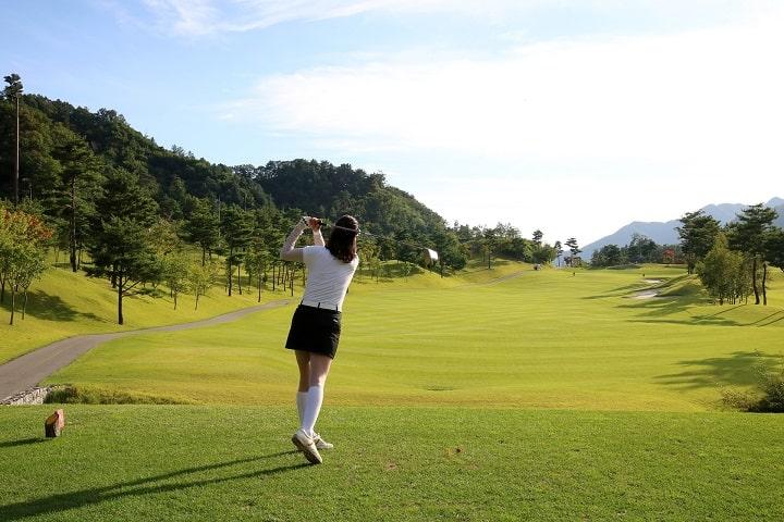 average-female-golf-handicap-min