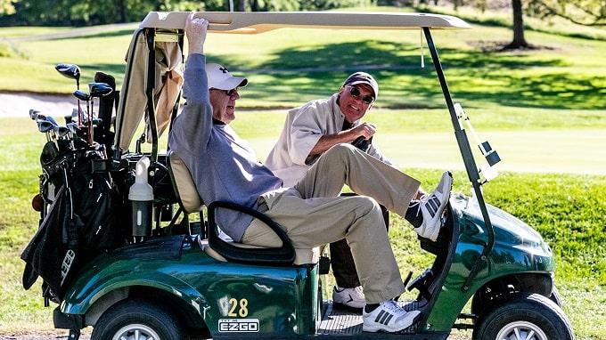riding-vs-walking-in-golf-min