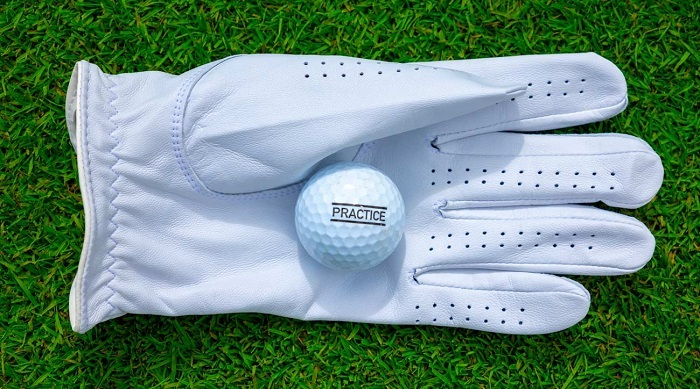 what-hand-do-you-wear-a-golf-glove-on