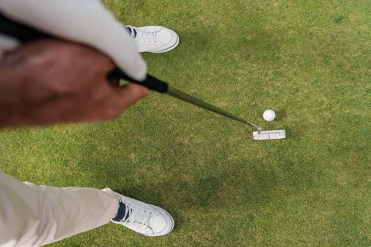 types-of-golf-strokes-with-putter-min